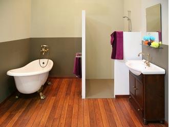 Pose De Parquet Dans Une Salle De Bain Estce Une Bonne Idée - Pose parquet salle de bain